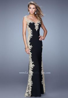 We Know you Love La Femme Dresses as Much as We Do! Find the Perfect La Femme Prom or Homecoming Dress of Your Dreams Today at Peaches Boutique Lace Evening Dresses, Elegant Dresses, Evening Gowns, Nice Dresses, Long Dresses, Beautiful Gowns, Beautiful Outfits, Prom Dresses 2015, Red Carpet Dresses