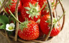 fresh-strawberries-wallpapers_1920x1200_86121.jpg 1,920×1,200 pixels