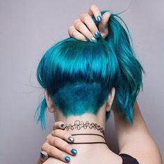 Azul corto...