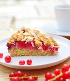 Almond redcurrant cake