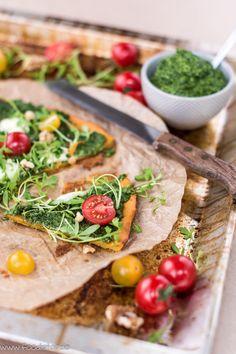 Süßkartoffelpizza mit Bärlauchpesto und Brunnenkresse, Pizza Rezept, Bärlauchpesto selber machen, Pizzaboden aus Süßkartoffeln, Pizzaboden