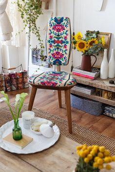 """Lana pentru Photoliu"" – reinterpretarea scaunului traditional romanesc, in paginile Wall Street Journal Decor, Boho Interior, Boho Decor, Decor Design, Eclectic Decor, Boho Interiors, Home Decor, Apartment Decor, Home Deco"
