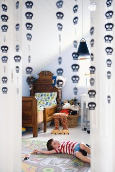 the boo and the boy: Skulls in kids' rooms