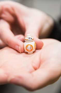 The tiniest BB-8 Lego!