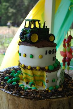 Back of tractor cake!