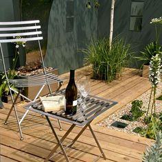 Small Patio Garden Inspiration Small Garden Ideas And Inspiration – Saga Small Space Gardening, Garden Spaces, Small Gardens, Outdoor Gardens, Tiny Garden Ideas, Big Garden, Garden Web, Small Yard Landscaping, Modern Landscaping