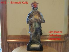 VINTAGE JIM BEAM WHISKEY DECANTER EMMETT KELLY WEARY WILLIE CLOWN PORCELAIN COOL!!!!!!!    ON AUCTION THIS WEEK!!!!!