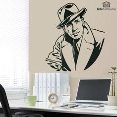 Vinilo decorativo inspirado en el actor Humphrey Bogart ataviado con su característicos sombrero y gabardina en su interpretación de Rick Blaine en Casablanca.