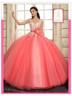 Vas a cumplir XV años? Te gustaría ser una quinceañera diferente a las demás con un vestido espectacular y un vals hermoso? Envía whatsapp al 462.160.66.42