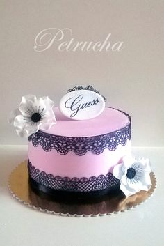 black and pink girls cake