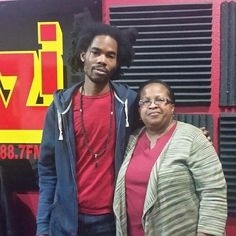 Had a great interview with @kelvyart last Friday on @kazifm88.7. Be sure to catch his art show Sat. at 9pm at @pacrimsushi. His art is fabulous! Go say hi this Sat. Feb. 13th.  #art #febevent2016 #behindthescenes #artshow @meintheatx @paigeturna7 @angel_lifemusicatx @jus_blessd_ @jeanettewhill @demarcrealtalk @thatbv @ujimamagazine #ujimamagazine2016