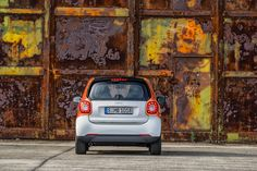 New smart fortwo & forfour by Daimler » Retail Design Blog