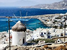 Greece Travel Guide - A travel and tourism guide describing the best places to visit in Mykonos, Greece. Features photographs and brief descriptions of popular travel destinations and interesting places to visit on the island of Mykonos. Places Around The World, Oh The Places You'll Go, Cool Places To Visit, Places To Travel, Travel Destinations, Mykonos Town, Mykonos Greece, Mykonos Island, Vacation Trips