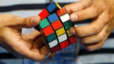 Laszlo Balogh/Reuters - Exercite seu cérebro: sudoku, quebra-cabeça, enigmas, jogos de cartas e outras atividades semelhantes ajudam a aumentar a neuroplasticidade, que é a capacidade do sistema nervoso mudar, reorganizar. É um processo que ajuda a pessoa a continuamente aprender.