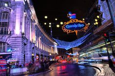 Regent Street / Piccadilly Circus with Christmas lights