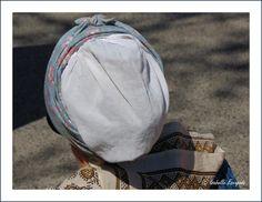 Les belles coiffes... http://mistoulinetmistouline.eklablog.com http://www.my-art.com/isabelle-escapade/collections/provence https://www.facebook.com/pages/Mistoulin-et-Mistouline-en-Provence/384825751531072
