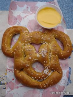 Disney Mickey-shaped pretzel. Used to be you could only find these in Disneyland; now they're in Disney World, too! #Disney #Food