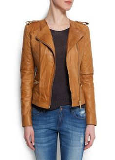 Leather jacket musthave!