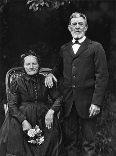 August Sander Bauernpaar Westerwald, 1912 Farmer and Wife