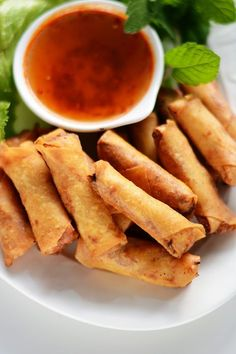 Vietnamese Prawns Spring Rolls - The ultimate party snack for kids and adults alike - thespiceadventuress.com
