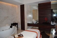 Grand Velas bridal spa room