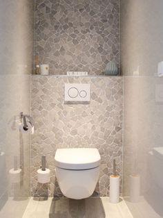 Binnenkijken bij Nanda - My Simply Special Toilet Room Decor, Small Toilet Room, Guest Toilet, Downstairs Toilet, Bathroom Design Luxury, Bathroom Design Small, Modern Bathroom, Modern Toilet, Bathroom Bath