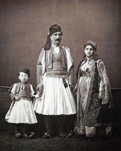 (1. centre) rich Albanian man from Janina; (2. right) rich Albanian woman from Janina; (3. left) child of a Albanian rich family (source: Les Costumes populaires de la Turquie en 1873, Constantinople 1873, plate 18)