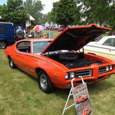 1969 Pontiac GTO Judge..... my baby has this car....smokin.hott