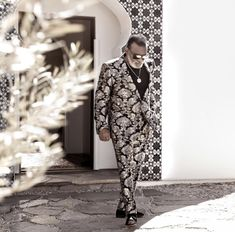 Ron Isley Celebrity Style, Duster Coat, Celebs, Style Inspiration, Jackets, Design, Celebrities, Down Jackets, Celebrity