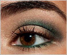 green shadow & liner