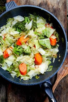 Eating vegetable is very good for health, all of us totally agree this. However, most of you might not know many ways to cook vegetables that you are not bored and bland? In the article, here are 26 stir-fried vegetable recipes are exactly what you'v Chinese Mixed Vegetables, Chinese Vegetables, Sauteed Vegetables, Chicken And Vegetables, Stir Fry Vegetables, Veggies, Tofu Stir Fry, Asian Stir Fry, Healthy Stir Fry