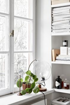 Stockholm space with touches of black and gold (via Bloglovin.com )