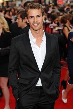 Theo James Divergent Movie - Young Celebrities