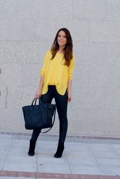 #yellow #shirt #leatherpants #look #black #purse  #myarmyofclothes #streetstyle #fashion  http://myarmyofclothes.blogspot.com.es