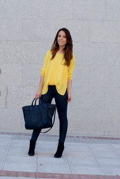 #yellow #shirt #leatherpants #look #black #purse  #myarmyofclothes #streetstyle #fashion  http://myarmyofclothes.blogspot.com.es