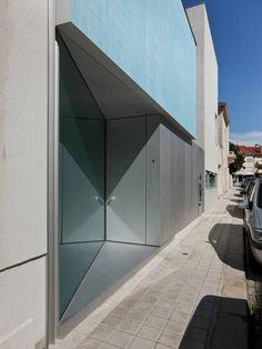 Casa Ricardo Pinto : Casas modernas por CORREIA/RAGAZZI ARQUITECTOS