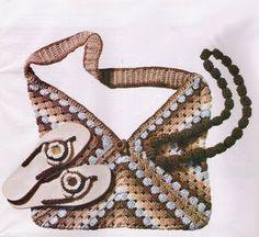 Uncinetto, macramè e patchwork: borsa crochet
