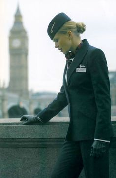 The Flight Attendant Life. British Airways They look so badass! British Airways, Air Hostess Uniform, Trolley Dolly, Airline Cabin Crew, Airline Uniforms, Flight Attendant Life, Leather Gloves, Aviation, Female
