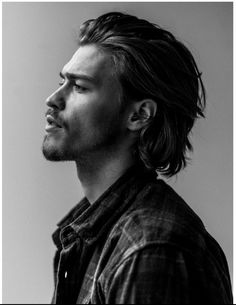 Elite is the world's leading model management company and an icon in the industry Medium Length Hair Men, Medium Hair Styles, Hair And Beard Styles, Curly Hair Styles, Summer Hairstyles, Cool Hairstyles, Haircuts For Men, Hair Inspo, Hair Lengths