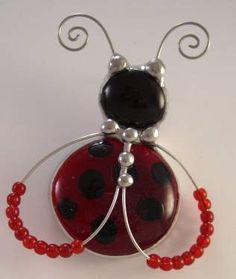 ladybug pin-could do on a stake for plant pots. Wire Wrapped Jewelry, Wire Jewelry, Beaded Jewelry, Handmade Jewelry, Jewellery, Wire Crafts, Bead Crafts, Jewelry Crafts, Art Perle