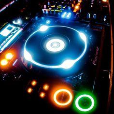 pioneer cdj2000.   hip hop instrumentals updated daily => http://www.beatzbylekz.ca