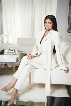 WWD: Kylie and Kris Jenner Re-think Beauty's Model Kendall Y Kylie Jenner, Trajes Kylie Jenner, Kylie Jenner Hair, Estilo Kylie Jenner, Estilo Kardashian, Kyle Jenner, Kylie Jenner Outfits, Kylie Jenner Style, Kardashian Jenner