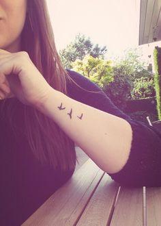 Small Feminine Tattoos, Small Bird Tattoos, Little Bird Tattoos, Subtle Tattoos, Pretty Tattoos, Tattoos For Women Small, Family Tattoos, Sister Tattoos, Couple Tattoos