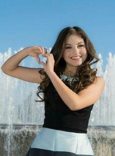 Imagen relacionada l Sou Luna Disney, Photos Des Stars, Cimorelli, Disney Stars, Emma Watson, Seville, Girl Power, Selena, Outfit