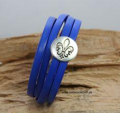 106 Armband 2fach Leder königsblau mit Slider Lilie