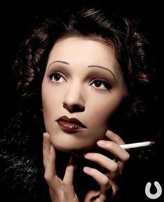 make up ♥ style années 30 le style edith piaf 1930s Makeup, Vintage Makeup, Vintage Beauty, Madame Gres, Hair And Makeup Artist, Hair Makeup, Tribal Makeup, 1930s Hair, Cool Makeup Looks