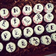 cake baller cake balls, togo style! It's #sunday, so find your #innerpeace with some #yoga balls. www.thecakeballers.com #thecakeballers #cakeballer #cakeballers #peace #balls #custom #yogaposestickmen #cakeballs