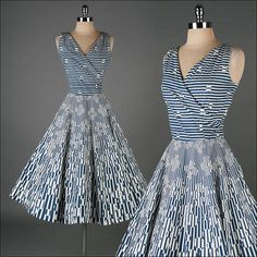 Vintage blue white optical print cotton dress- perfect for a day on the coast