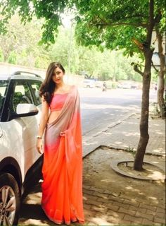 Check out this post - COLLEGE FAREWELL SAREE - MY STYLE created by Yuktibakshiii and top similar posts, trendy products and pictures by celebrities and other users on Roposo. Saree Blouse Patterns, Saree Blouse Designs, Farewell Sarees, Farewell Dresses, Sarees For Girls, Saree Poses, Saree Jackets, Modern Saree, Sari Dress