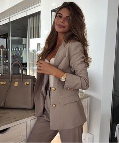 Simple Work Outfits Ideas For Young Women 21 – Office . Read more The post Simple Work Outfits Ideas For Young Women 21 – Office Outfits appeared first on How To Be Trendy. Simple Work Outfits, Classy Outfits, Chic Outfits, Fashion Outfits, Glamorous Outfits, Formal Outfits, Classy Dress, Work Casual, Dress Outfits